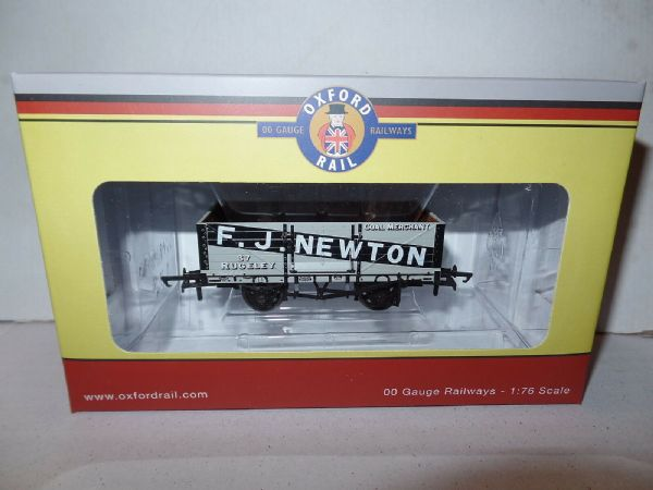 Oxford Rail OR76MW6003 MW6003 1/76 OO 4 Plank Mineral Wagon F J Newton Rugeley